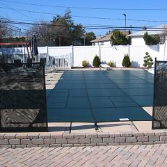 manual opening pool gate